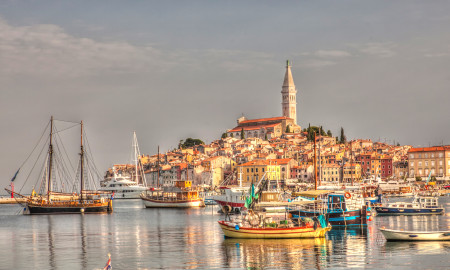 Cityscape_Rovinj_at_sunrise