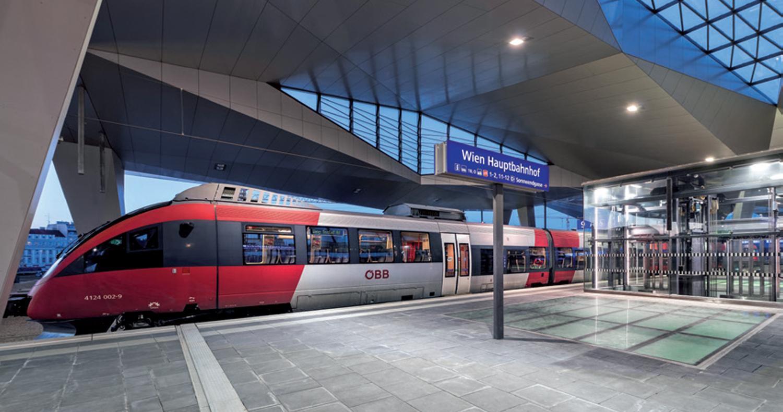journal-2015-oebb-zug-hauptbahnhof-19to1