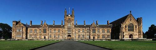 800px-SydneyUniversity_MainBuilding_Panorama