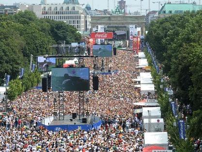 Meile war für das WM-Public Viewing fünf Wochen lang gesperrt. Foto: B.Pedersen/dpa