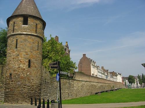 Maastricht_2008_OLV_Wall