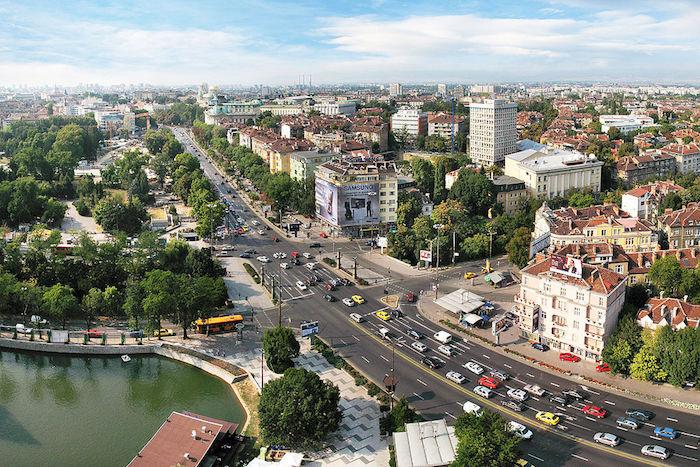1024px-Downtown_Sofia_Boby_Dimitrov_1